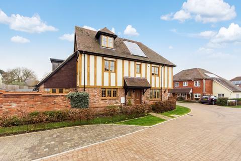 4 bedroom semi-detached house for sale - Barker Fields, Southfleet, Gravesend, DA13