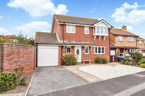 3 bedroom detached house for sale - Shalbourne Crescent, Bracklesham Bay, Chichester