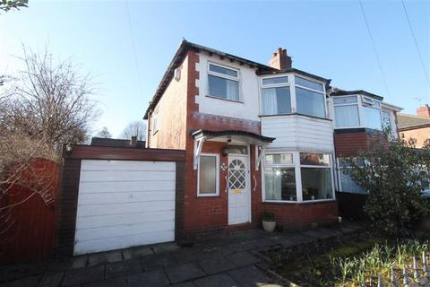 3 bedroom semi-detached house for sale - Kingsway, Swinton