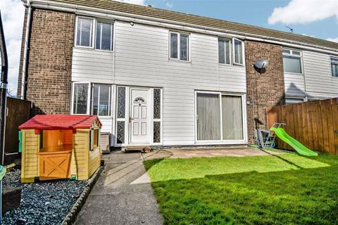 3 bedroom semi-detached house for sale - Redruth Close, HULL, HU7