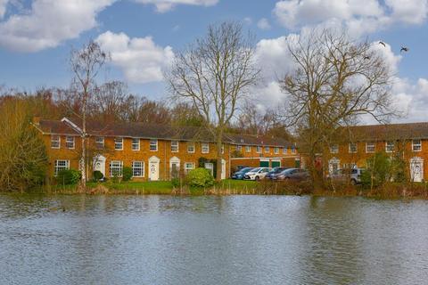 3 bedroom terraced house for sale - The Green, Burgh Heath, Tadworth