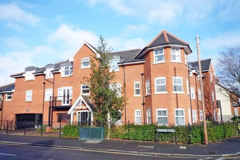 2 bedroom apartment to rent - Burnham Court, Maidenhead