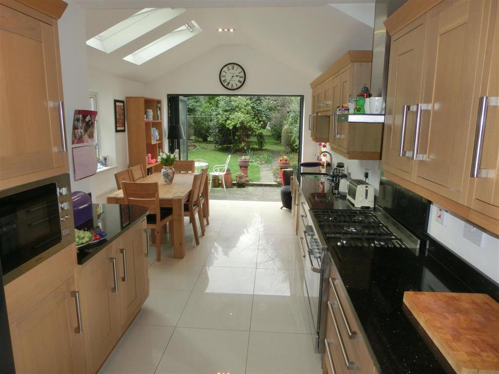 Superb extended dining kitchen