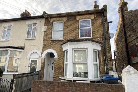 2 bedroom flat for sale - Carmichael Road, London
