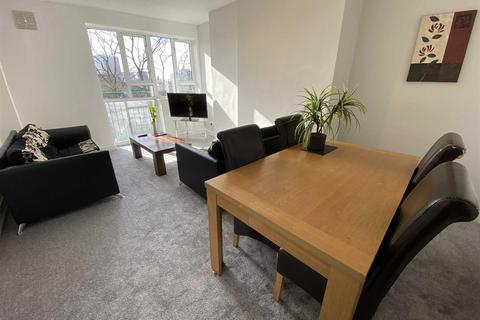 3 bedroom apartment for sale - Carthorpe Arch, St James Park, Eccles New Road