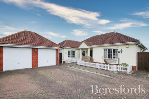 4 bedroom detached bungalow for sale - Harvest Close, Marks Tey, Colchester, Essex, CO6