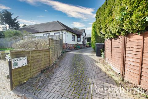 3 bedroom detached bungalow for sale - Stortford Road, Dunmow, Essex, CM6