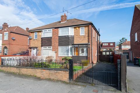3 bedroom semi-detached house for sale - Kirkstall Hill, Leeds, LS4