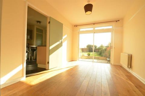 3 bedroom terraced house to rent - Wolsey Close, Southall, Greater London, UB2