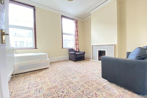 1 bedroom flat to rent - High Road Leytonstone , Leytonstone, London. E11