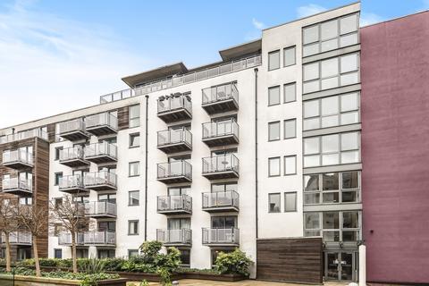 2 bedroom flat to rent - Deals Gateway London SE13
