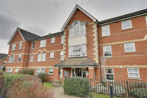 1 bedroom flat for sale - Cobham Close, ENFIELD, Middlesex, EN1