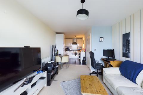 1 bedroom flat to rent - Cavatina Point, 3 Dancers Way, London, SE8