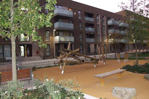 1 bedroom apartment to rent - 16 Deauville Close, Poplar E14