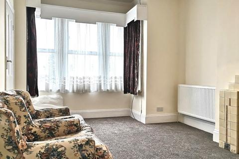2 bedroom flat to rent - TWO  BEDROOM FLAT | TO LET | WEST HENDON BROADWAY | NW9