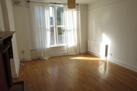3 bedroom flat to rent - Queens Avenue, Muswell Hill, N10