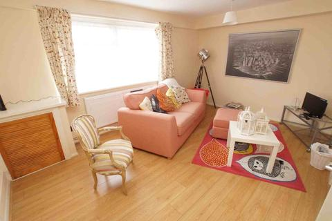 1 bedroom flat to rent - Benwick Court, Croydon Road