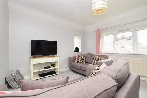 2 bedroom chalet to rent - Alexander Road Reigate RH2