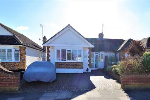 2 bedroom semi-detached bungalow for sale - The Ryde, Leigh on sea, Leigh on sea, Essex.