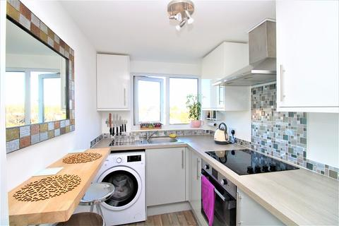 1 bedroom flat for sale - Brigstock Road, Thornton Heath, Surrey. CR7 7JD