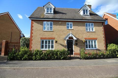 5 bedroom detached house for sale - Partridge Avenue, Chelmsford, Essex, CM1