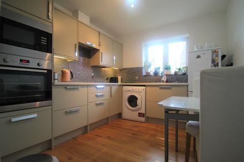 1 bedroom flat to rent - Leverton Close, London, N22