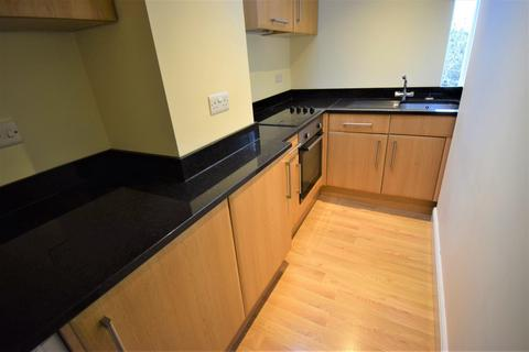 2 bedroom flat to rent - High Street, Burnham, SL1