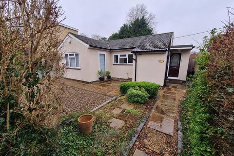 2 bedroom bungalow for sale - Lusted Hall Lane, Tatsfield, Westerham, Kent, TN16