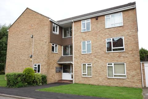2 bedroom flat to rent - Harris Close, Enfield, Middx