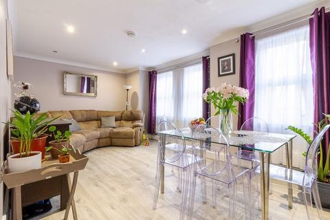 2 bedroom flat to rent - Tide Close, Mitcham