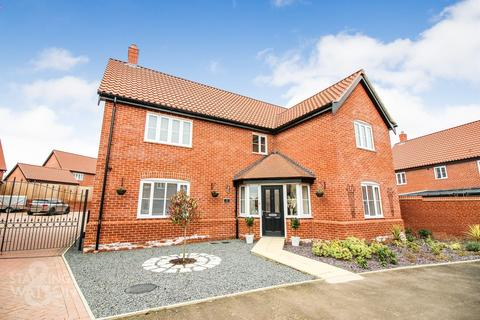 4 bedroom detached house for sale - The Ridings, Poringland, Norwich