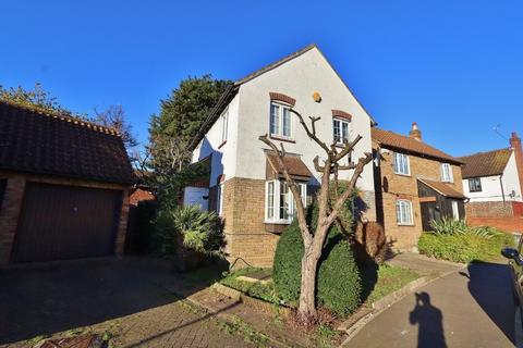 3 bedroom link detached house for sale - Long Mark Road, London, E16