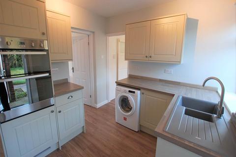 3 bedroom flat to rent - Garland Road , Plumstead , London