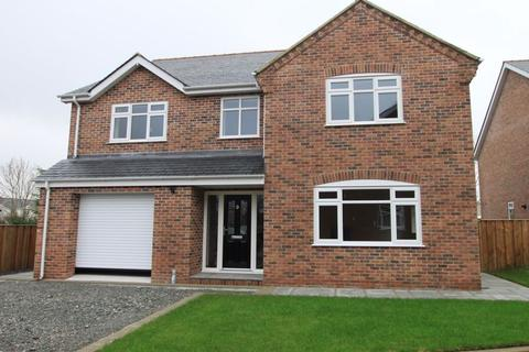 4 bedroom detached house for sale - Llangristiolus, Anglesey