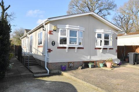 2 bedroom park home for sale - Hillbury Park, Hillbury Road, Aldershot, Nr Fordingbridge, Hampshire