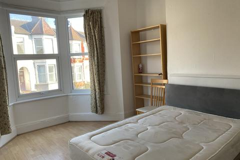 4 bedroom maisonette to rent - Wightman Road, Haringey / Finsbury Park N8