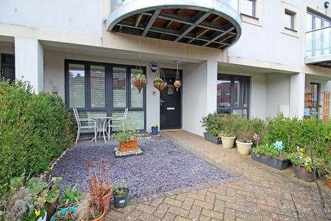 2 bedroom apartment for sale - Haling Down Passage, South Croydon, Surrey
