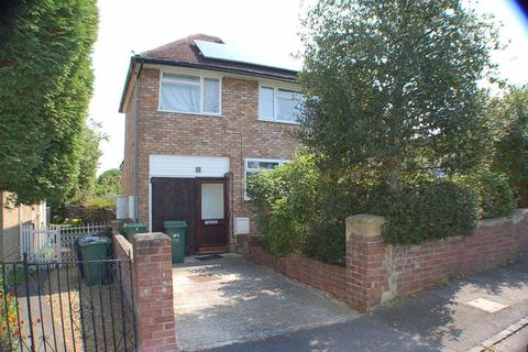 Studio to rent - Brookfield Crescent, Oxford