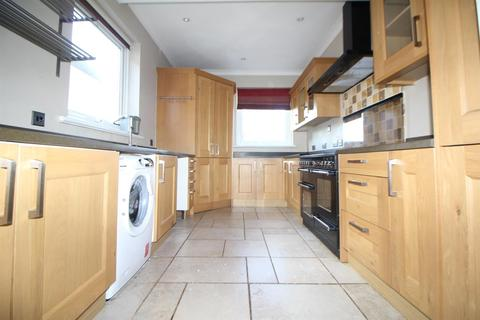 6 bedroom semi-detached house to rent - London Road, Enfield