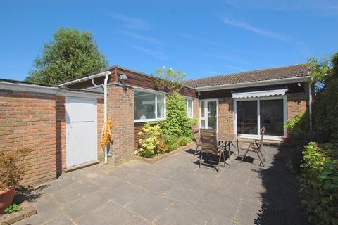 3 bedroom semi-detached bungalow to rent - Edgeborough Way, Bromley, BR1