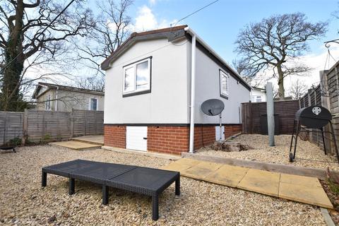1 bedroom park home for sale - Fifth AvenueGarston Park, Tilehurst, Reading