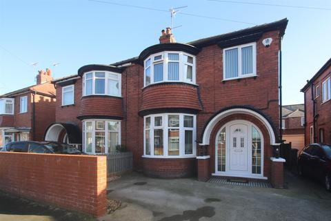 3 bedroom semi-detached house for sale - St. Stephen Road, Bridlington