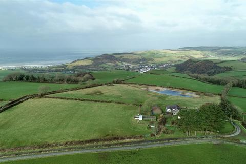 11 bedroom property with land for sale - Llanrhystud