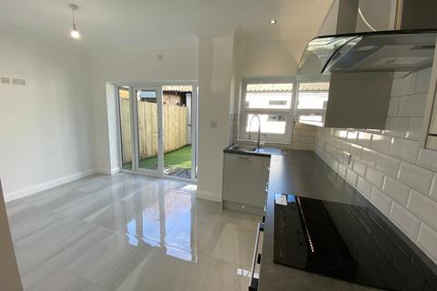 4 bedroom terraced house for sale - Pentre - Pentre