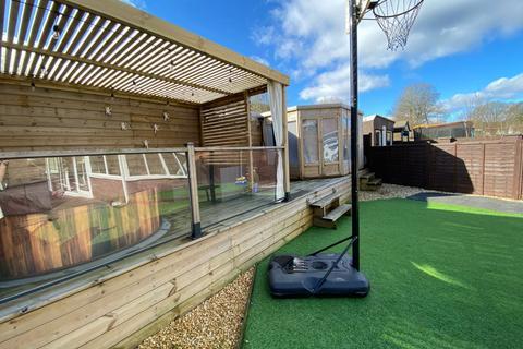 3 bedroom semi-detached house for sale - Pentre - Pentre