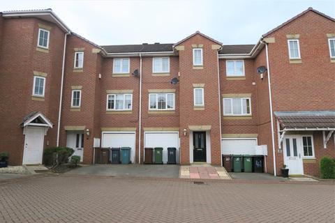 4 bedroom townhouse for sale - Kensington Way, Middleton, LS10