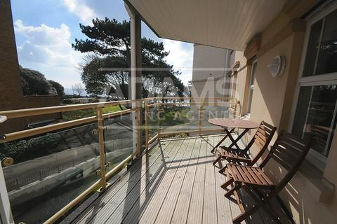 2 bedroom flat for sale - West Cliff Road, Bournemouth,