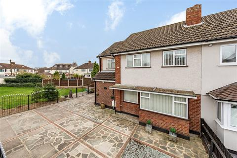 3 bedroom semi-detached house for sale - Coniston Avenue, Upminster, RM14