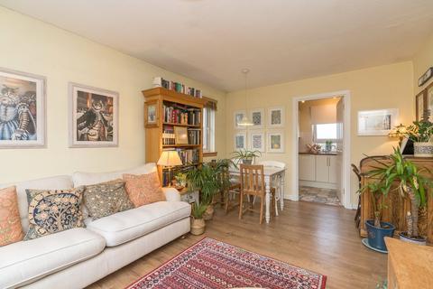 2 bedroom flat for sale - 10/4 Seafield Avenue, Edinburgh, EH6