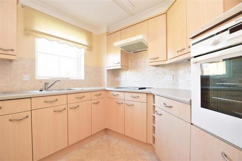 1 bedroom flat for sale - Massetts Road, Horley, Surrey
